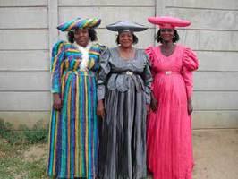 Herero Frauen in Gobabis, Namibia
